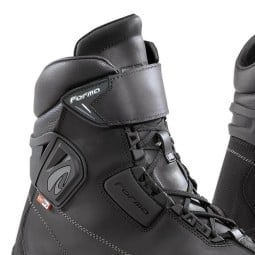 Motorradschuh FORMA Tribe Outdry