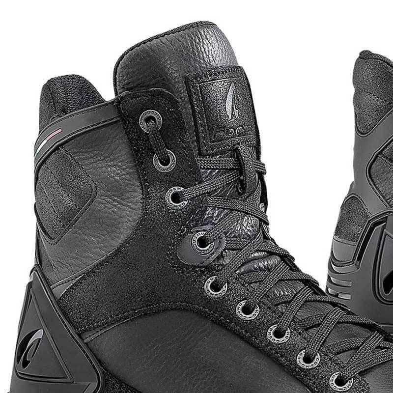 638c22e63 Motorcycle Shoe FORMA Hyper Black