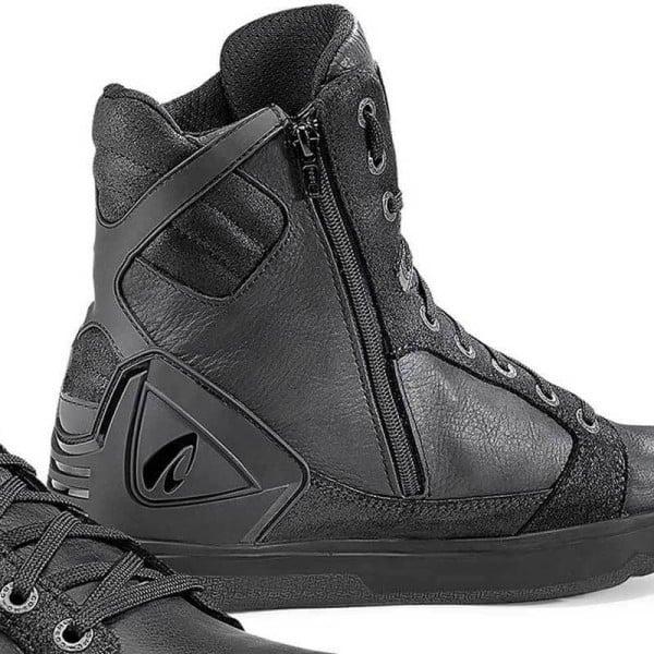 Motorcycle Shoe FORMA Hyper Black