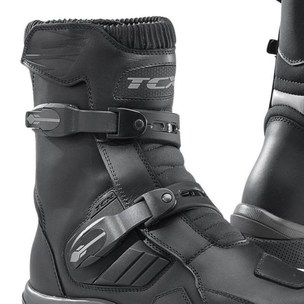 Motorcycle boots TCX Baja Mid waterproof black